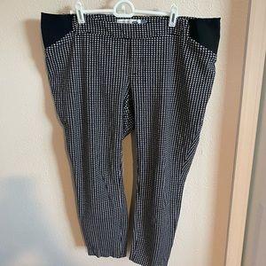 Old Navy Pixie maternity pants